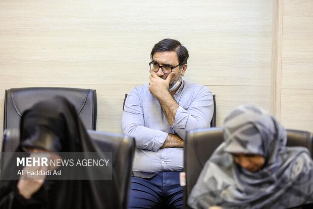 مصطفی وثوق کیا مدیر کل فرهنگی خبرگزاری در محفل شعرخوانی سوگواره مهر حضور دارد