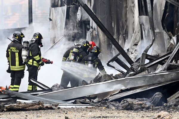 8 killed as plane crashes into vacant building in Milan
