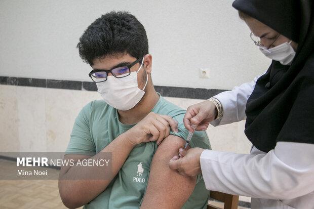 چه کسانی باید دوز سوم واکسن کرونا را بزنند؟
