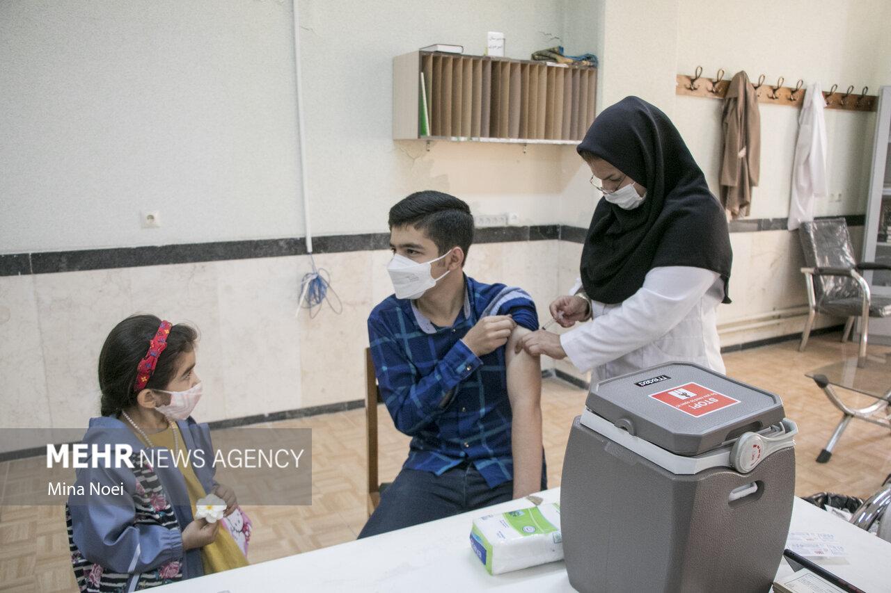واکسن پاستوکووک برای سنین ۱۲ تا ۱۸ سال مناسب است