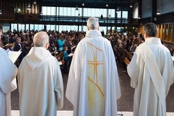 ۲۱۶ هزار کودک فرانسوی قربانی آزار جنسی کشیشان کاتولیک شدند