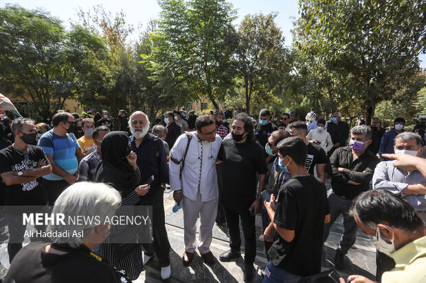 Funeral ceremony of Iranian actor Fathali Oveisi
