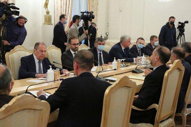 ماسکو میں ایرانی وزير خارجہ کی روسی وزیر خارجہ سے ملاقات