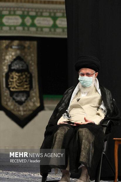 مراسم عزاداری شهادت امام رضا(ع)  با حضور رهبر معظم انقلاب