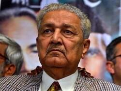 پاکستان کے معروف سائنسداں ڈاکٹر عبدالقدیر کو سرکاری اعزاز کے ساتھ سپرد خاک کردیا گیا