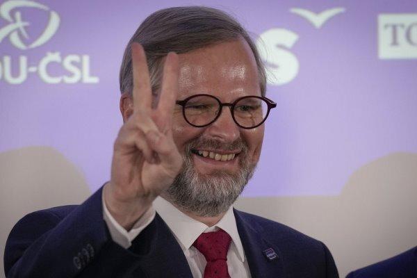 پیروزی حزب رقیب در انتخابات پارلمانی چک/نخست وزیر شکست خورد