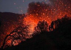 سرازیر شدن گدازه های عظیم از آتشفشان لا پالما در اسپانیا