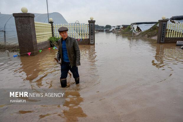 فيضانات وانهيارات أرضية في شمال الصين والفلبين/ بالصور