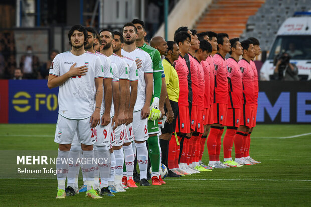 مباراة منتخبي إيران وكوريا الجنوبية لكرة القدم/ بالصور