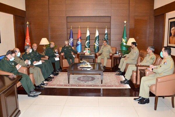 Senior Iranian, Pakistani military officials discuss ties