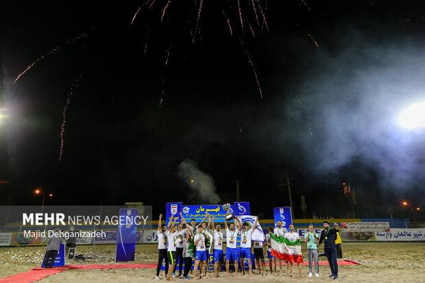 اختتامیه مسابقات لیگ برتر فوتبال ساحلی کشور فصل 1400