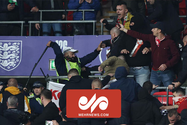 درگیری هواداران تیم فوتبال مجارستان با پلیس انگلیس