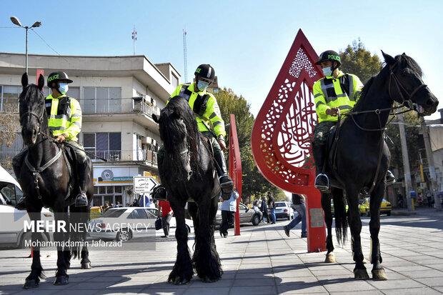 یگان ویژه اسب سوار در میدان شاه عبدالعظیم حاضر هستند .