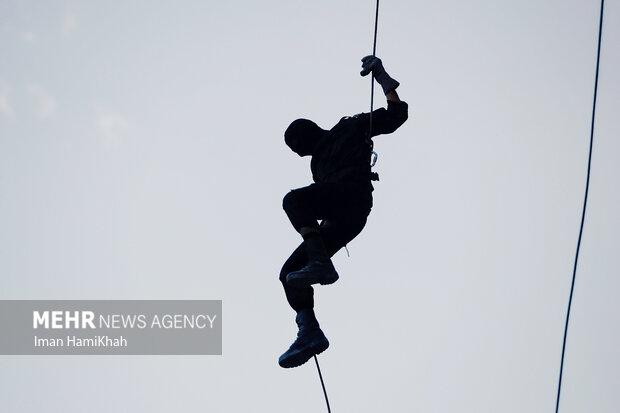 مانور راپل یگان ویژه نیروی انتظامی در همدان