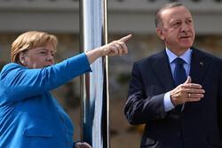 آنگلا مرکل به استانبول رفت