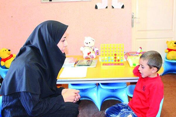 حرف نزدن با کودکان عامل اصلی مشکلات گفتاری