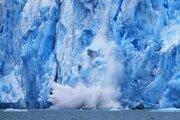 علماء يحذرون من مخاطر ذوبان جليد القطب الشمالي بحلول عام 2040/ بالصور