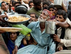 پاکستان میں غربت میں اضافہ / بےروزگار افراد کی تعداد 2 کروڑ سے زائد ہوگئی