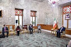 ايران وفنزويلا تؤكدان على ضرورة التعاون في كافة المجالات