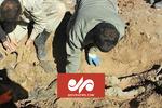 تفحص پیکر مطهر شهیدی با دستان بسته در شرق دجله