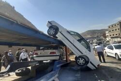 برخورد تریلر با نیوجرسی در محور بومهن - تهران/۶ تن مصدوم شدند