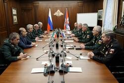 اللواء باقري يلتقي وزير الدفاع الروسي