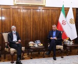 وزارة الخارجية تعلن استعدادها الشامل لتطوير اللغة الفارسية خارج إيران