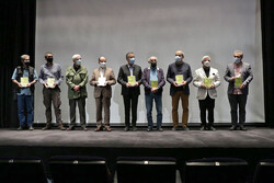 کتاب «دیوارها سخن میگویند» جامعهشناسی انقلاب اسلامی است