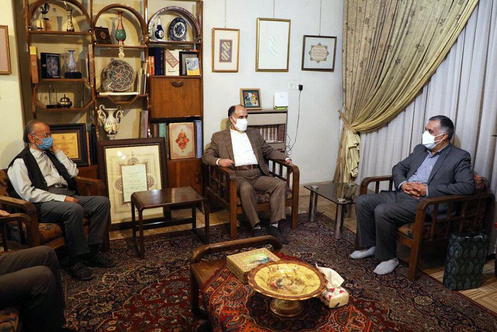 دیداری با عباس اخوین خوشنویس پیشکسوت به مناسبت هفته خوشنویسی