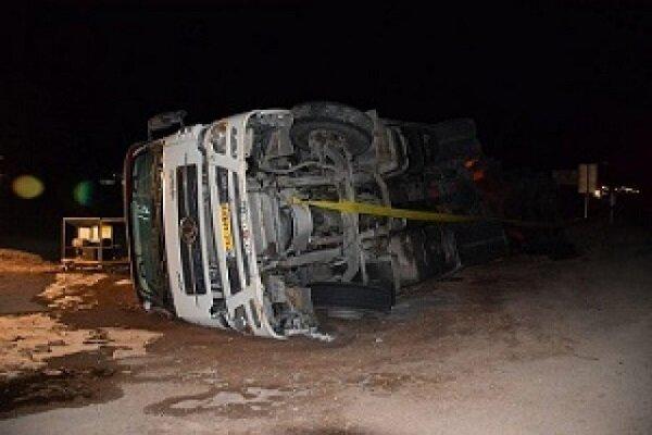 واژگونی خودرو باز هم حادثه آفرید