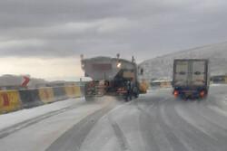 آماده باش اکیپهای راهداری زمستانی در محورهای هراز و فیروزکوه