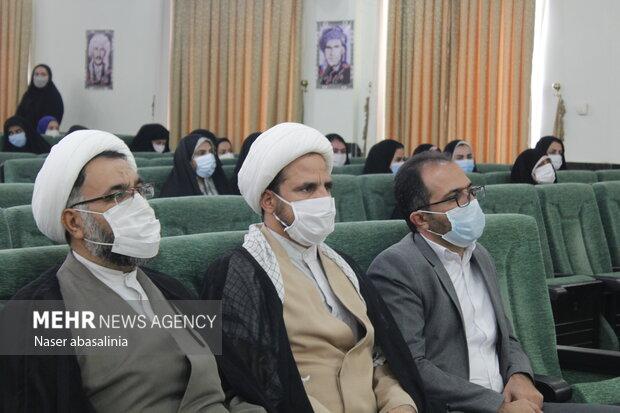 همایش تجلیل از طلاب برتر و تقریبی کردستان