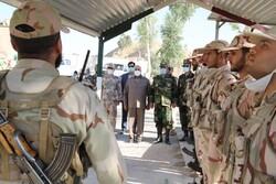 رجزخوانی سرباز هنگ مرزی قصرشیرین در حضور استاندار کرمانشاه