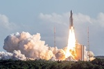 فرانسه ماهواره نظامی پرتاب کرد