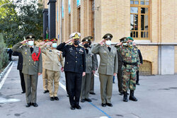 Iran, Pakistan to increase cooperation on military training