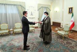 سفیر جدید آذربایجان استوارنامه خود را تقدیم رئیسی کرد