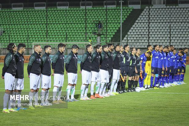 دیدار تیم های فوتبال ذوب آهن و استقلال