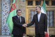 ایرانی وزیر خارجہ نے ترکمنستان کے وزیر خارجہ کا استقبال کیا