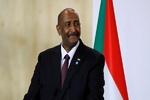 البرهان يصدر قرارا بحل النقابات والاتحادات المهنية في السودان
