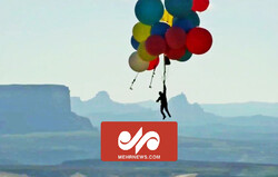 VIDEO: Adventurer flies over South Africa on 100 balloons