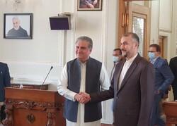 وزرای خارجه ایران و پاکستان دیدار و گفتگو کردند