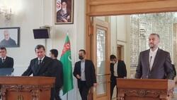 ایران از ترکمنستان برق وارد خواهد کرد/ بازنگری در سند همکاریهای دو جانبه