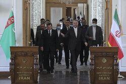 وزير خارجية إيران يستقبل نظيره التركماني/ بالصور