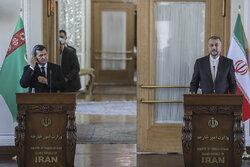 ایران از ترکمنستان برق وارد میکند/بازنگری در سند همکاری دوجانبه