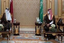 امیر قطر با ولیعهد سعودی دیدار و گفتگو کرد