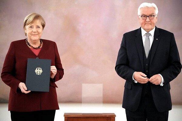استعفای مرکل پذیرفته شد/ صدراعظم پر سابقه آلمان رفت