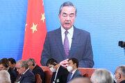 وانغ يي: نواصل التعاون الدولي بشأن أفغانستان