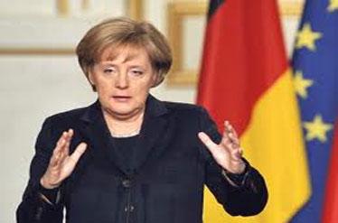 """تصمیم """"مرکل"""" برای کاهش دستمزد مدیران اروپایی"""