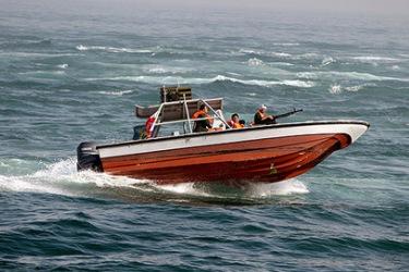 نیروی دریایی سپاه محموله 9000 لیتری سوخت قاچاق را کشف و ضبط کرد