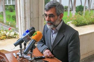 الهام: احمدی نژاد هیچ شباهتی به بنیصدر ندارد/او آقا زاده بود و این آهنگر زاده